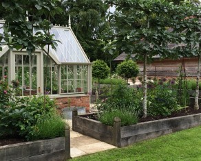 Potager with Alitex Greenhouse